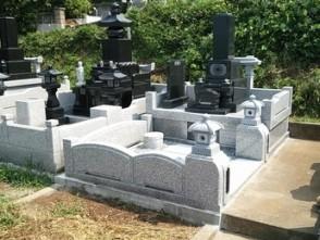 山梨県上野原市 和型墓石