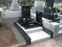 横浜市内寺院墓地 クンナム洋型墓石